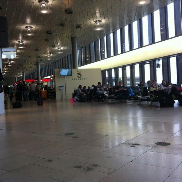 Foto tirada no(a) Terminal A por Gabriel I. em 6/21/2013