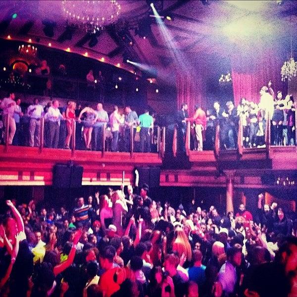 Photo prise au Opera Nightclub par Opera Nightclub le12/13/2012