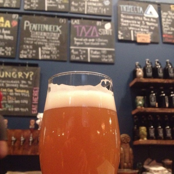 11/8/2014에 Christopher A.님이 Night Shift Brewing, Inc.에서 찍은 사진