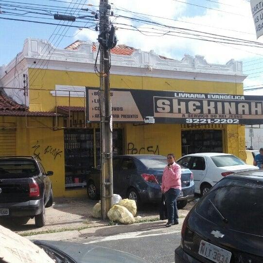 d6566040fb Foto tirada no(a) Livraria Evangélica Shekinah por Kendo N. em 5