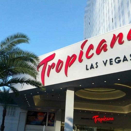 Снимок сделан в Tropicana Las Vegas пользователем Sam (@HandstandSam) E. 12/3/2012