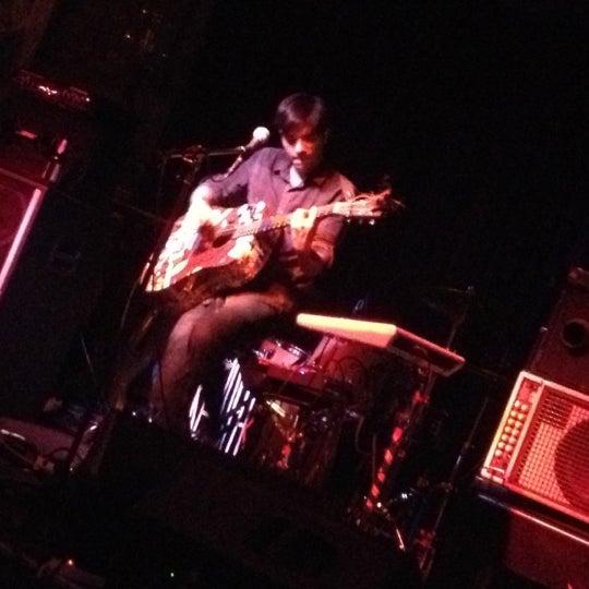 รูปภาพถ่ายที่ The Stage โดย Christine เมื่อ 10/16/2012