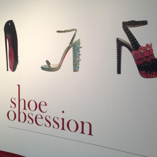 รูปภาพถ่ายที่ Museum at the Fashion Institute of Technology (FIT) โดย Stefanie K. เมื่อ 3/2/2013
