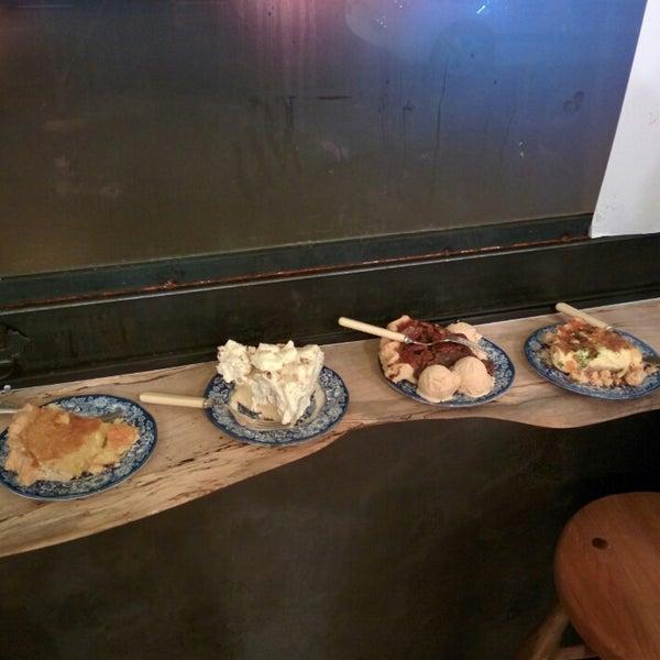รูปภาพถ่ายที่ Petee's Pie Company โดย Johnny T. เมื่อ 1/17/2015