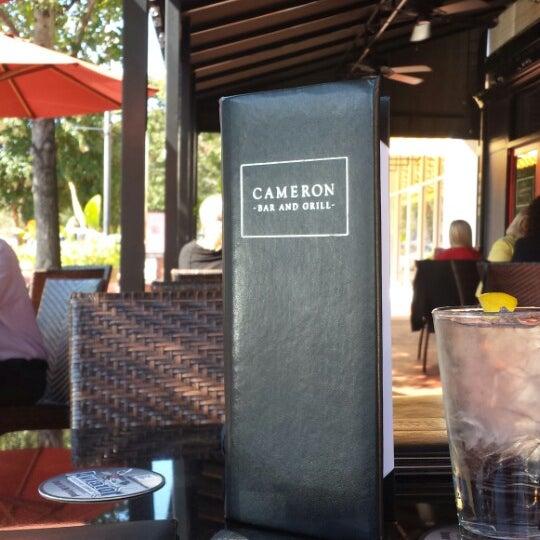 Photo prise au Cameron Bar & Grill par G P. le10/9/2014
