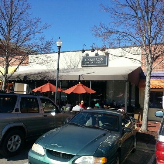 รูปภาพถ่ายที่ Cameron Bar & Grill โดย G P. เมื่อ 1/20/2013