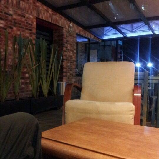Foto diambil di Arts & Coffee Co. oleh Maricar J. pada 1/30/2013