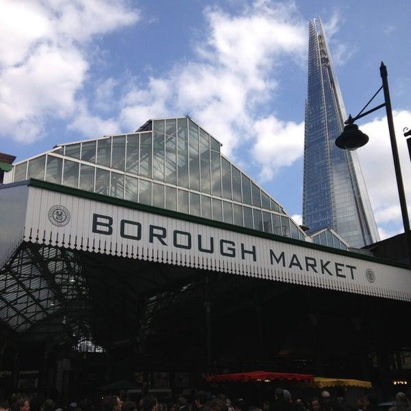 Foto tirada no(a) Borough Market por Natalie S. em 4/6/2013