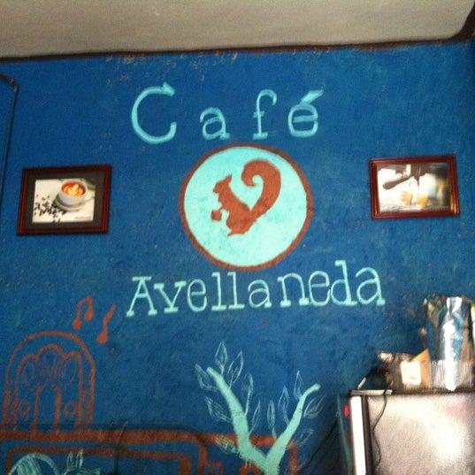Foto scattata a Café Avellaneda da Edna L. il 9/21/2012