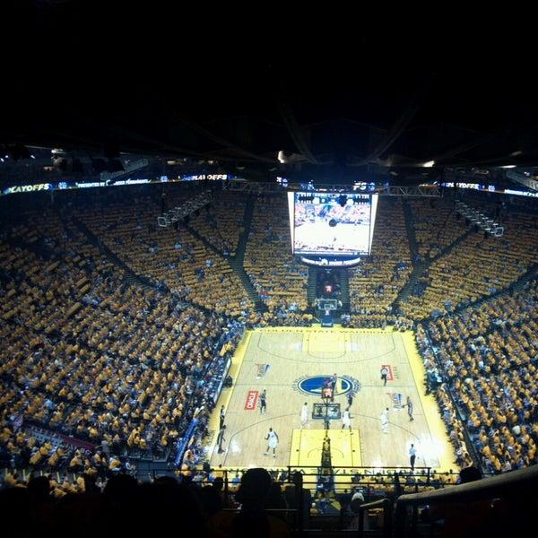 รูปภาพถ่ายที่ Oakland Arena โดย Alex T. เมื่อ 5/12/2013