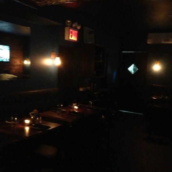 รูปภาพถ่ายที่ The Stand Restaurant & Comedy Club โดย Mark M. เมื่อ 5/4/2013