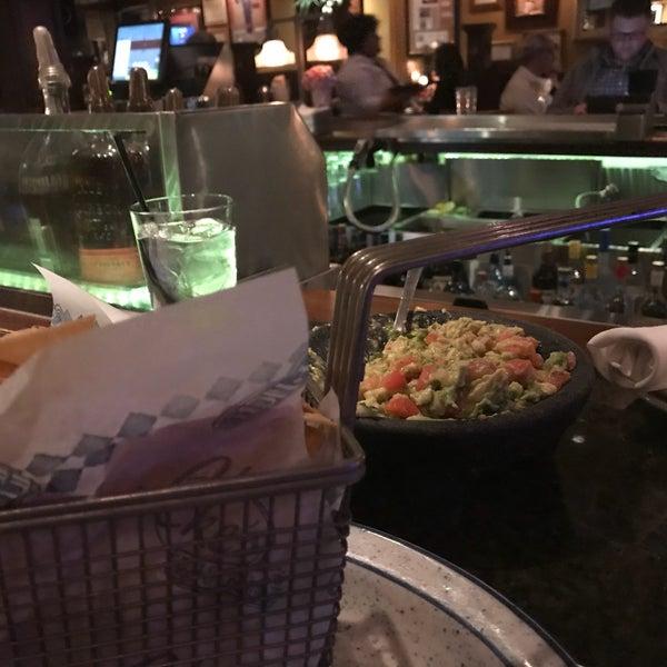 3/16/2018에 DZalumni님이 Ike's Food & Cocktails에서 찍은 사진