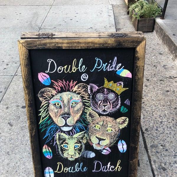 Das Foto wurde bei Double Dutch Espresso von Lauren am 7/20/2019 aufgenommen