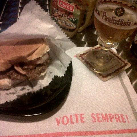 Снимок сделан в São Paulo Dog & Burger пользователем Willian S. 2/13/2013