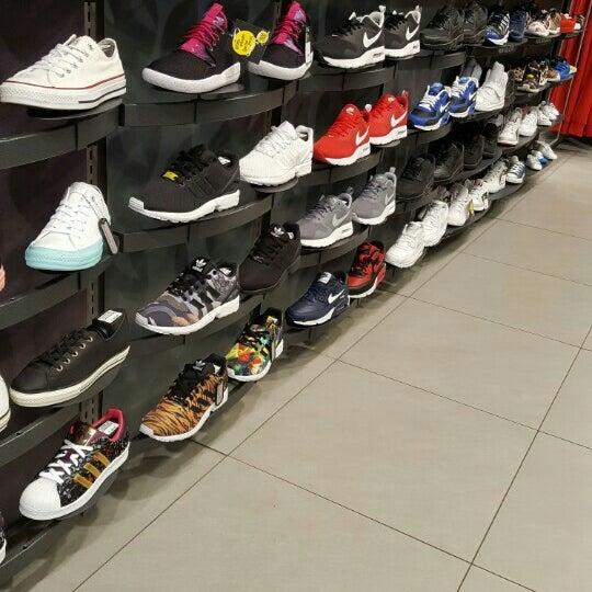 Foot Locker - Sporting Goods Shop in Namur ca26dcb0574