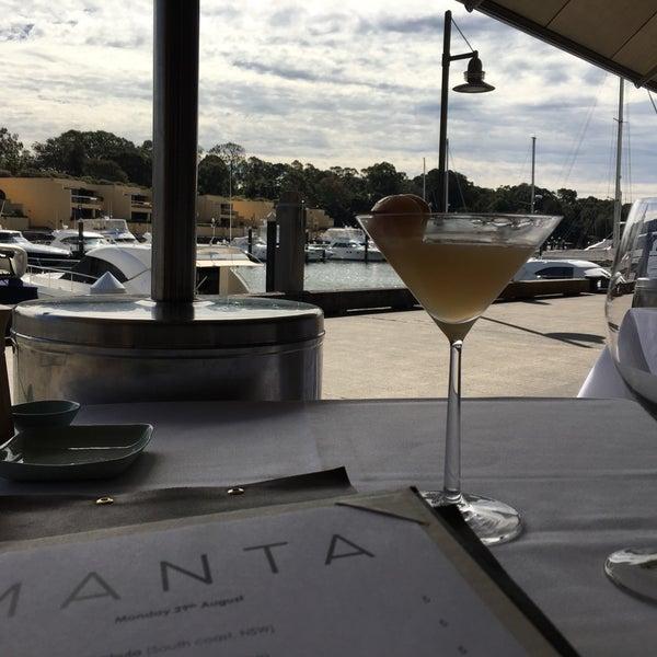 Foto scattata a Manta Restaurant da Shaun E. il 8/29/2016