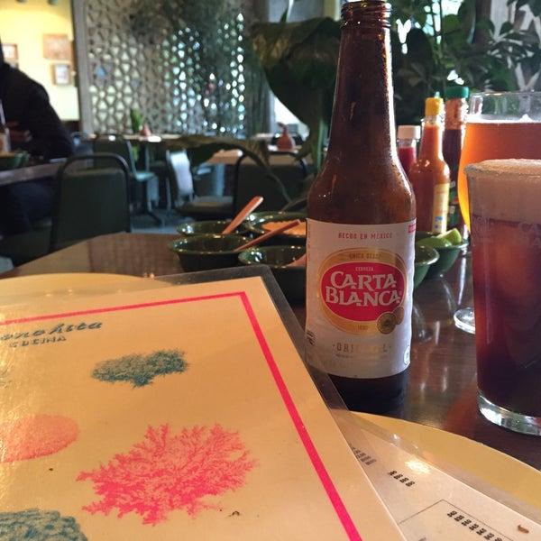 Ensenada en el DF. Bloody Mary y Aguachile súper  recomendados. Tacos de camarón con tortilla de maíz azul súper ricos igual!