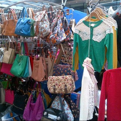 Foto tomada en Old Spitalfields Market por Megan N. el 6/30/2013