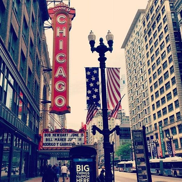5/26/2013에 Ryuji M.님이 The Chicago Theatre에서 찍은 사진