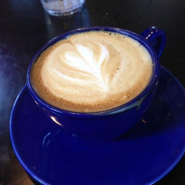 7/31/2013にRon G.がFrogg Coffee Bar and Creperieで撮った写真
