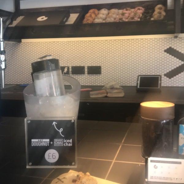 Foto diambil di Crosstown Doughnuts & Coffee oleh Rahaf pada 7/13/2018