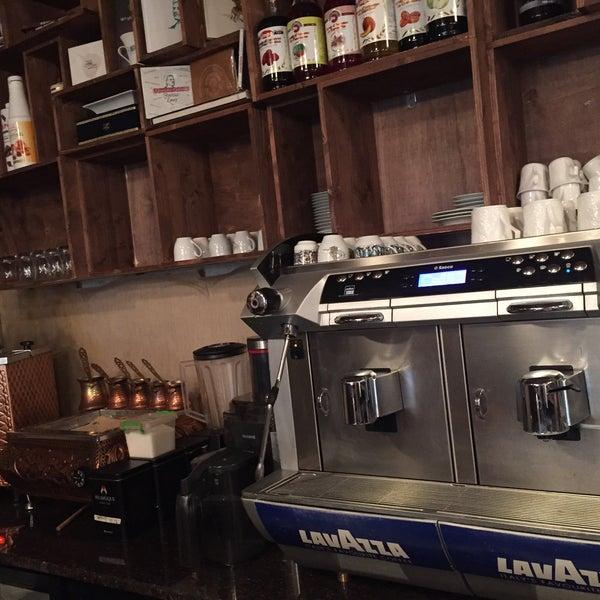 Foto diambil di Pano Restaurant ve Kahve Evi oleh Hatice C. pada 3/29/2015