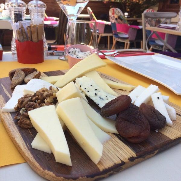 Foto diambil di Pano Restaurant ve Kahve Evi oleh Hatice C. pada 6/17/2014
