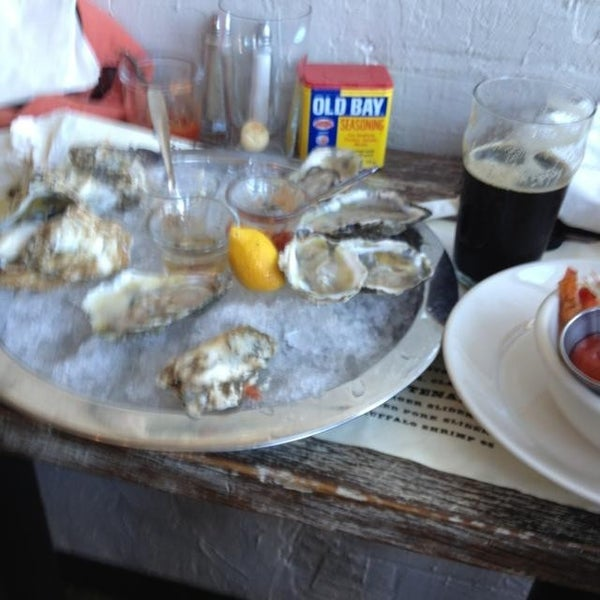Photo prise au Henlopen City Oyster House par Doug D. le8/15/2013
