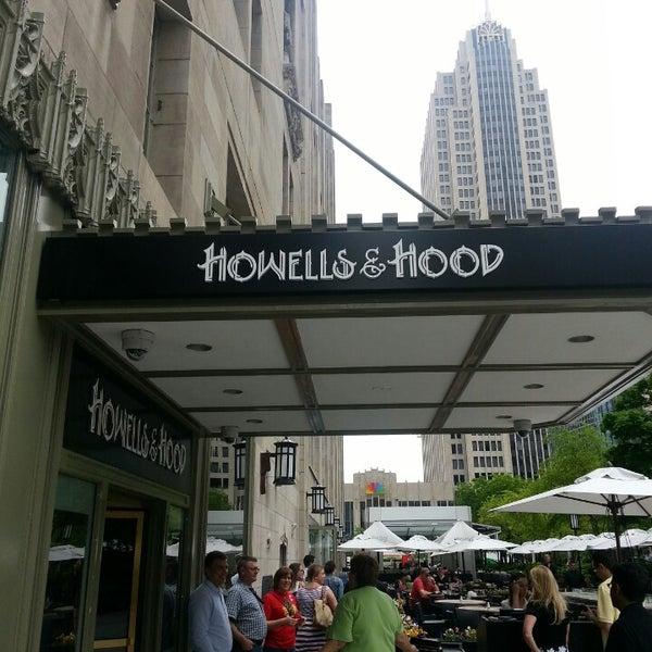 5/31/2013 tarihinde Bill G.ziyaretçi tarafından Howells & Hood'de çekilen fotoğraf