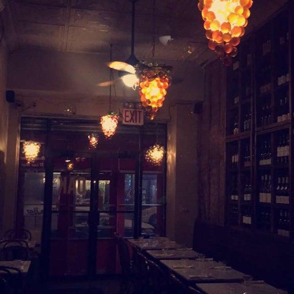 Foto tomada en OAK Restaurant & Wine Bar por Manny H. el 1/17/2016