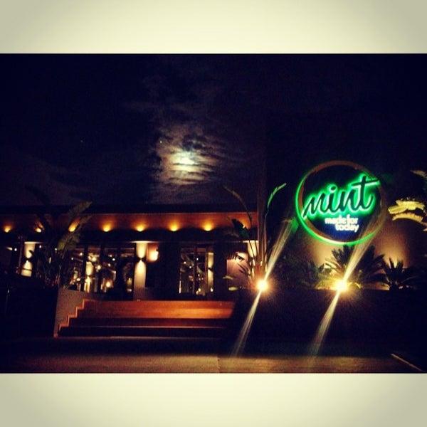 12/28/2012 tarihinde Emir B.ziyaretçi tarafından Mint Restaurant & Bar'de çekilen fotoğraf