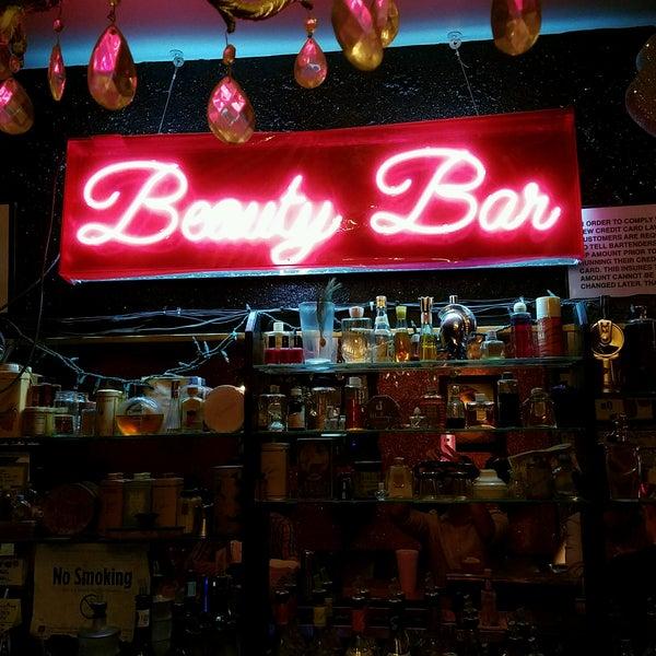 Foto scattata a Beauty Bar da Rohan K. il 8/26/2016
