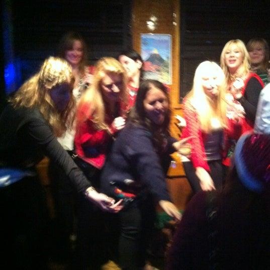 Foto tomada en The Hangge-Uppe por Leyla A. el 12/14/2012