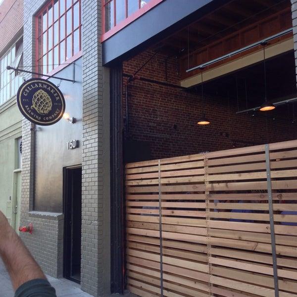 Foto scattata a Cellarmaker Brewing Company da Ty W. il 10/9/2013