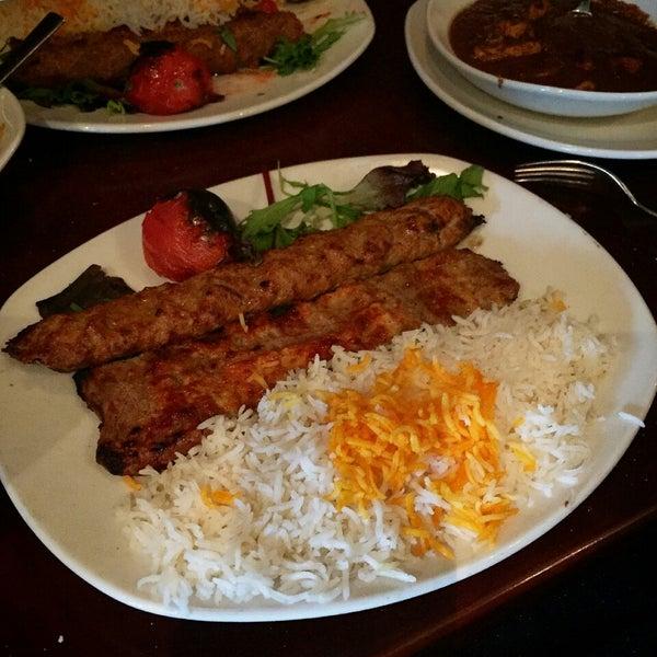 1/9/2015 tarihinde Jason G.ziyaretçi tarafından Sufi's Restaurant'de çekilen fotoğraf