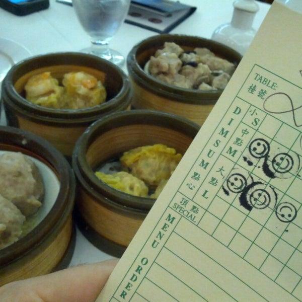 6/21/2013에 David L.님이 Oriental Garden 福臨門海鮮酒家에서 찍은 사진