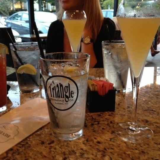 Photo prise au Cameron Bar & Grill par Kelly W. le9/30/2012
