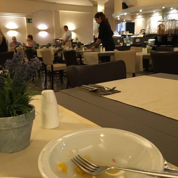 Foto tirada no(a) Hotel Arc La Rambla por David D. em 6/12/2016
