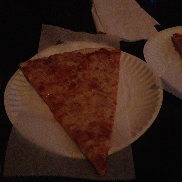 Foto scattata a The Pizza Pub da Jonathan C. il 3/2/2013