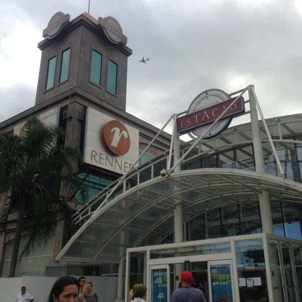 1/27/2013 tarihinde Guido R.ziyaretçi tarafından Shopping Estação'de çekilen fotoğraf