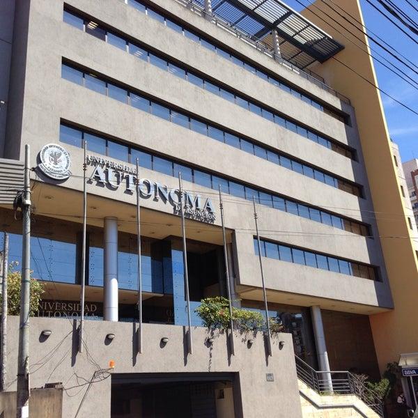 Снимок сделан в Universidad Autónoma de Asunción пользователем Guido R. 8/29/2013