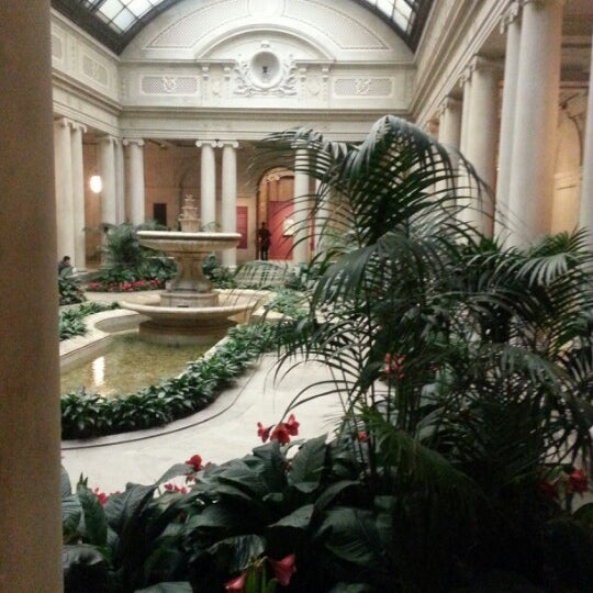 12/14/2012 tarihinde Toreya S.ziyaretçi tarafından The Frick Collection'de çekilen fotoğraf