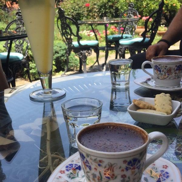 6/9/2018에 emeil님이 Üzüm Cafe에서 찍은 사진