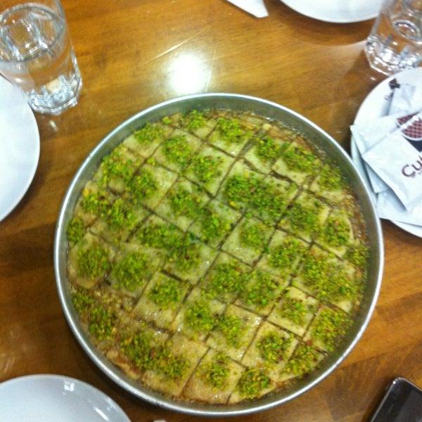 Снимок сделан в Çulcuoğlu Restaurant пользователем Ahmet Ö. 2/14/2013
