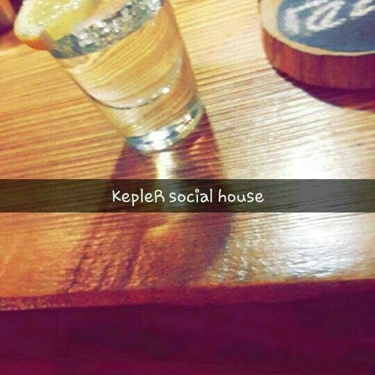 6/10/2016 tarihinde Yusuf K.ziyaretçi tarafından Kepler Social House'de çekilen fotoğraf