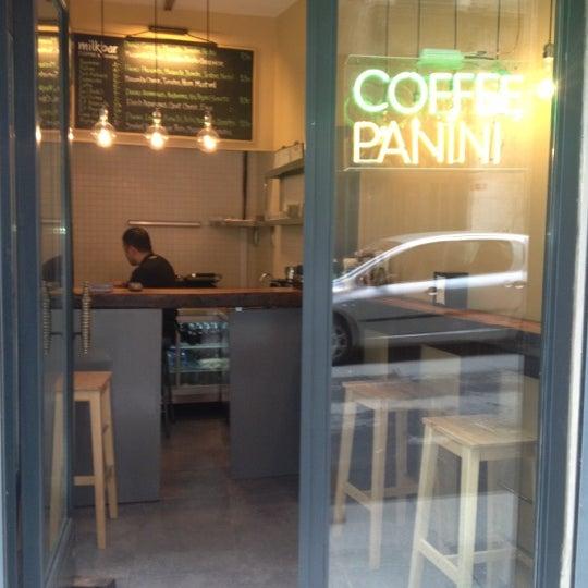 Foto scattata a Milkbar Coffee & Panini da Lisya K. il 2/21/2013