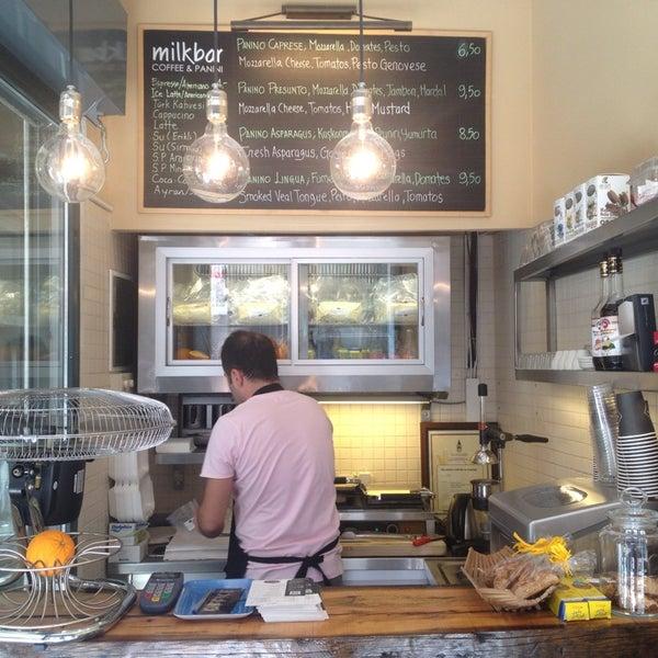 Foto scattata a Milkbar Coffee & Panini da Lisya K. il 9/6/2013