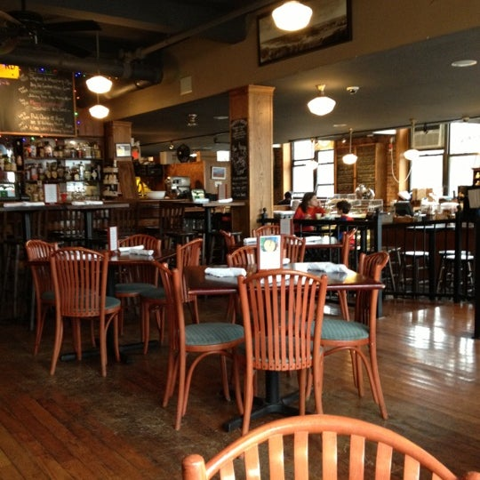 Foto tomada en Indian Road Café por Tony D. el 12/26/2012