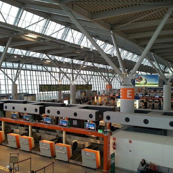 5/11/2013에 Ryszard M.님이 바르샤바 쇼팽 공항 (WAW)에서 찍은 사진