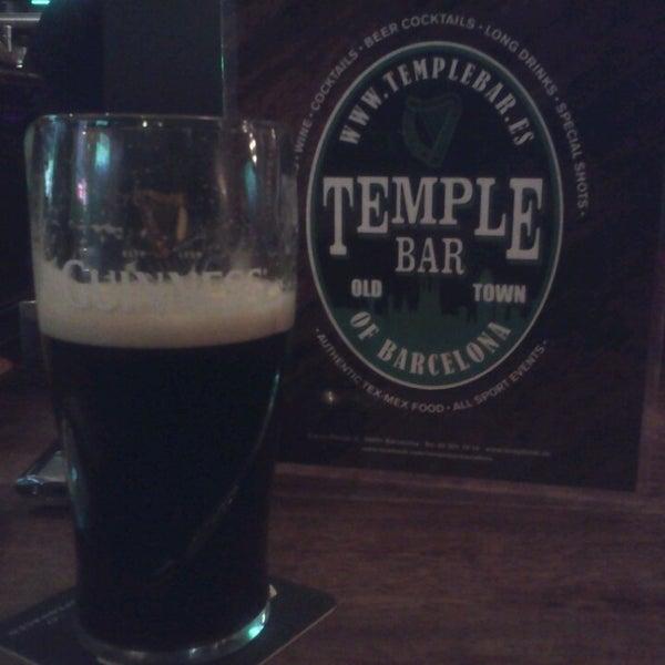 Снимок сделан в Temple Bar пользователем Evgeny D. 6/11/2013